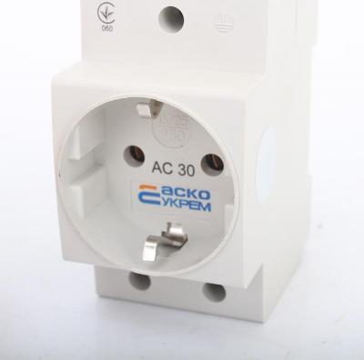 Розетка с заземлением AC30-5 фото 1